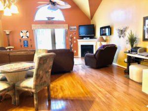 456 Baker House Living room